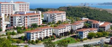 FMV Işık Üniversitesi geniş burs olanakları sağlıyor