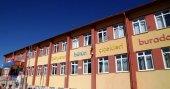 Van'da yaşamını yitiren öğretmenin adı okula verildi