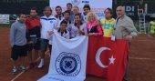 İstanbul Aydın Üniversitesi Erkek Tenis Takımı Avrupa Şampiyonu oldu