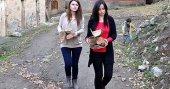 Odun kırıp soba yakan fedakar öğretmenler
