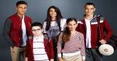 Natura, güncel trendlere uyumlu, şık okul kıyafetleri tasarlıyor