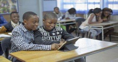 Öğrencileri İnternete Bağlamak: Eğitim Alanındaki Ayrımı Azaltmak