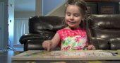 Dünya 3 yaşındaki bu kızı konuşuyor