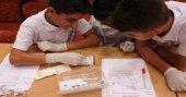 Öğrenciler kamplarda bilimi yaparak öğreniyor