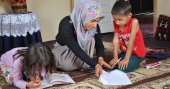 2 çocuk annesi öğretmenlik hayalini gerçekleştirecek