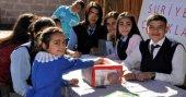 Öğrenciler harçlıklarını Suriyeli çocuklara gönderdi