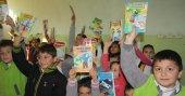 Üniversite öğrencilerinden köy okullarına 5 bin kitap